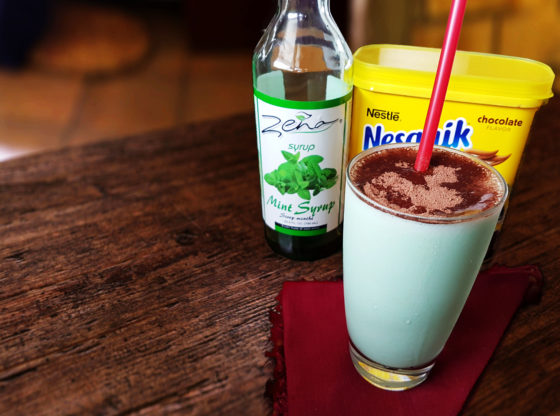 Mint Milkshake with Nesquik Chocolate Powder Dust